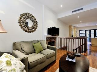 8623 - Huge 4BR 3Bath - Upper East Side