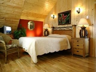 Beautiful two bedroom cabin suite #2. Winner of Tr, Ucluelet