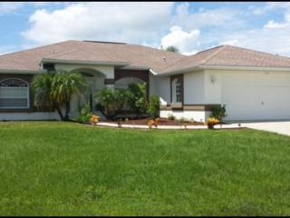 Three bedroom,two bathroom, pool home with extended lanai., Rotonda West