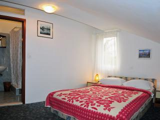 Apartment for 10 persons near  beach