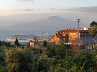 wonderful central apt sea view free WiFi 6/12p, Sorrente