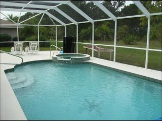 Natural Florida Woodland Beauty, 3 bedroom, 2 bath with optional electrically he