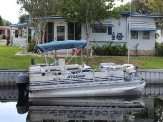 Waterfront Front Rental With Pontoon Boat, Dock an