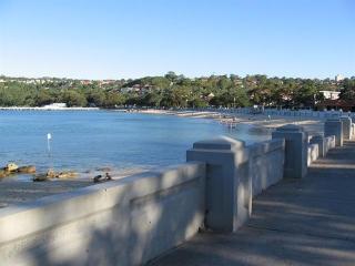 Relaxing Holidays on Balmoral Beach Sydney, Mosman