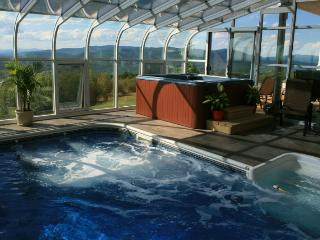 Heartstopping Views, Heated Indoor Pool Close to Skiing Snowmobiling, Xcountry,