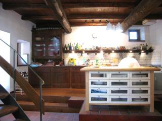 CERRO COTTAGE - 1 hr 15 mins/Rome, 20 mins/Spoleto