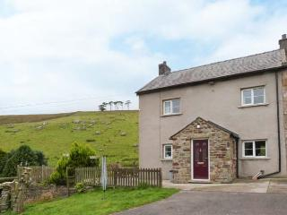 KINGSDALE HEAD COTTAGE, cottage on working farm, wonderful countryside setting n
