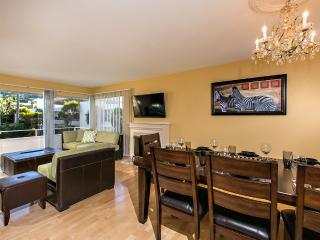 Beautiful Luxury Condo located 5 minutes walking f, La Jolla