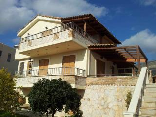 Sunny villa in an ideal relaxing environment., Anavyssos