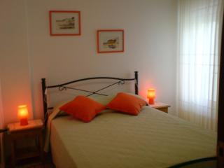 Sunny 1 bedroom apartment w/pool and  close to beach, Albufeira
