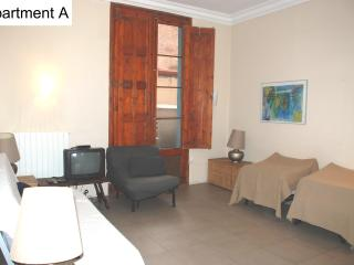 Avinyo Mansion Old Port Ramblas 2 bedrooms wifi, Barcelona
