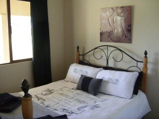 Eston Lakes Country House, Amanzimtoti