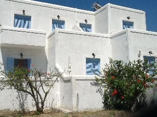 Niriides Studios-Sleep 4-5, on Krios beach, Paros
