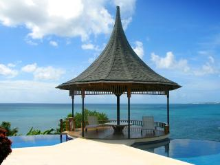 VOTED TOP 20 CONDE NAST CARIBBEAN VILLA - 74 STEPS TO BEACH - KIDS TRAVEL FREE