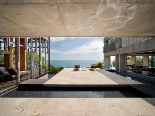 ALINGHI - ONE OF THE WORLDS TOP 5  BEACH HOUSES, Noosa