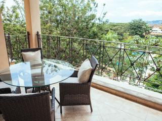 Tamarindo Diria 403 - Gorgeous 4th Floor Contemporary Condo