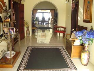 LUXURIOUS SELF CATERING OCEAN VIEW VILLA FOR FAMILY & FRIENDS SLEEPS 12, Cap Estate
