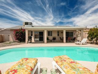 Spacious & sparkling clean w/ 2 master suites and, Lake Havasu City