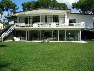Villa Wright, Varna
