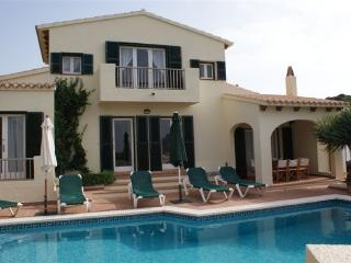 Villa with pool & AC & WiFi, Cala Llonga, Menorca