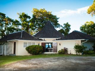 Somewhere - Prospect Plantation 4 Bedrooms
