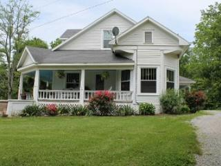 Vacation rental on Wine Trail close to Carbondale, Cobden