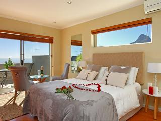 Mountain view suite in Villa Atlantica, Camps Bay