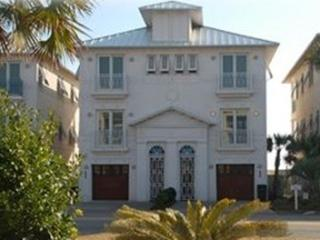 Luxury Gulf Front Townhouse has pool and elevator, Miramar Beach