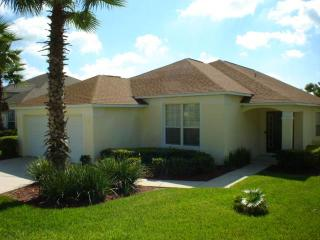 Spacious 4BR on a country club, 20min from Disney - WL1694E, Haines City