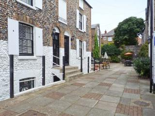 ALBERT VILLAS, WiFi, close to beach and harbour, in Broadstairs, Ref 905330