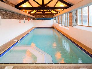 HOLME WELL, pet-friendly cottage with WiFI, woodburner, shared swimming pool, in Graythwaite, Ref. 914063