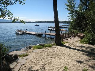 Avery West Shore- Lakefront Cabin with Views, Sandy Beach & Private Boat Dock, McCall