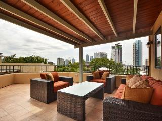 City-View Austin Penthouse on West 6th Street | Near Restaurants & Parks