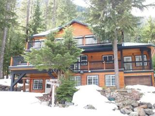 Five Bedroom Cabin in the Cascade Mountains, BC, Hope
