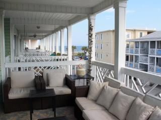 South Beach Ocean Condos - North - Unit 5 - Just Steps to the beach - Ocean View FREE Wi-Fi, Isla de Tybee