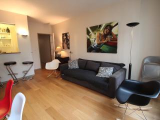 Louvre Rivoli spacious flat, Parijs