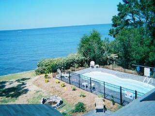 Soundfront with Pool, Hot tub, private dock!!, Point Harbor