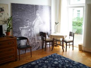 Lovely Apartment with Garden Terrace, Berlim