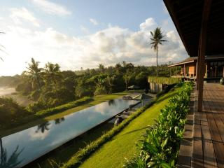 Bulung Daya, Luxury Beach Villa on Wild Bali Beach