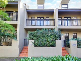 Modern Townhouse - Perfect For Families, St Peters