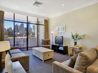 Prestige Apartment with Million Dollar Views, Sydney