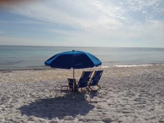 3 BR/2 BA Beach Front Condo, Pool, Hot Tub, Destin