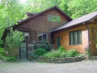 Hocking Hills Log Cabins and Vacation Homes, Logan