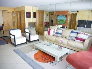 Luxe Beachfront Miami Beach Rental, Surfside