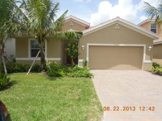 Deluxe Waterfront Villa  - North Fort Myers