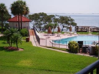 Waterfront Condo Florida FREE WIFI & PHONE, Tierra Verde
