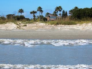 HUGE Ocean View/Direct Beach Access Vacation Home, Cabo Canaveral