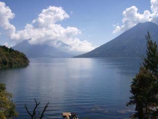 Villa de 3 dormitorios frente al lago con piscina y jacuzzi, San Marcos La Laguna