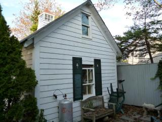 Stand alone  Renovated cottage in a hot location