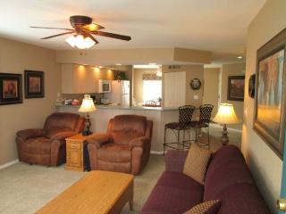 Two recliners - Brookside Getaway in Meadow Brook Resort, Branson